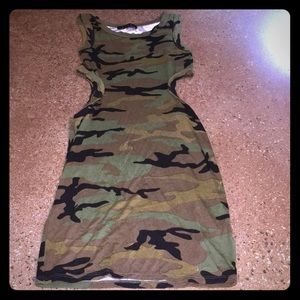 NWT🎉 Boutique Camo Sleeveless Dress
